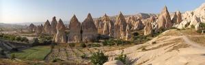 Cappadocia_Chimneys_Wikimedia_Commons